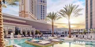 The Venetian Resort Unveils a New Luxurious Pool Scene