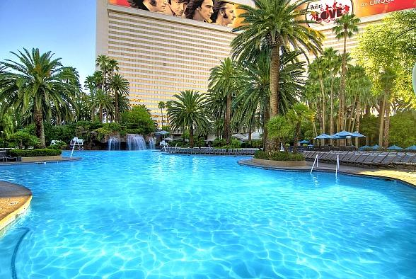 Pool Parties, Parades and Paradise Await at Poola Days at The Mirage Starting June 22