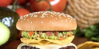 The Habit Burger Grill Serves Up South-of-the-Border Flavor with New Guacamole Crunch Charburger