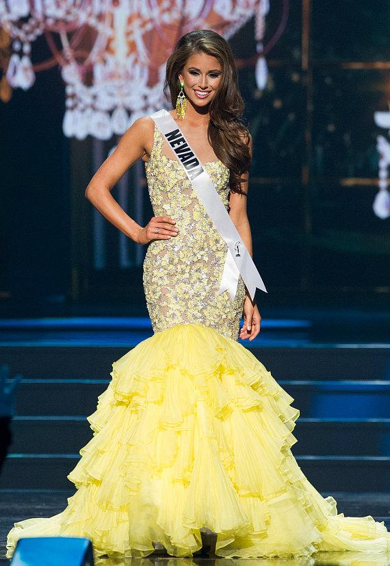 Nia Sanchez, Miss Nevada USA 2014, in evening gown competition