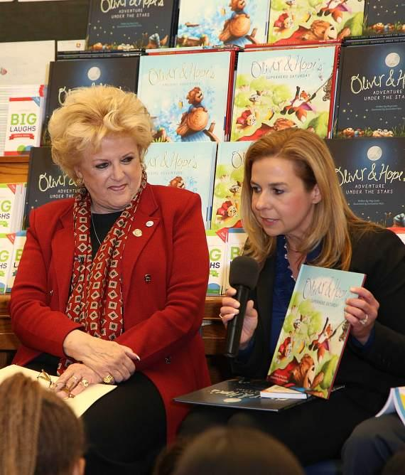 One Hundred Las Vegas-Area Schools Receive Children's Books Donated by UnitedHealthcare Children's Foundation to Encourage Childhood Literacy