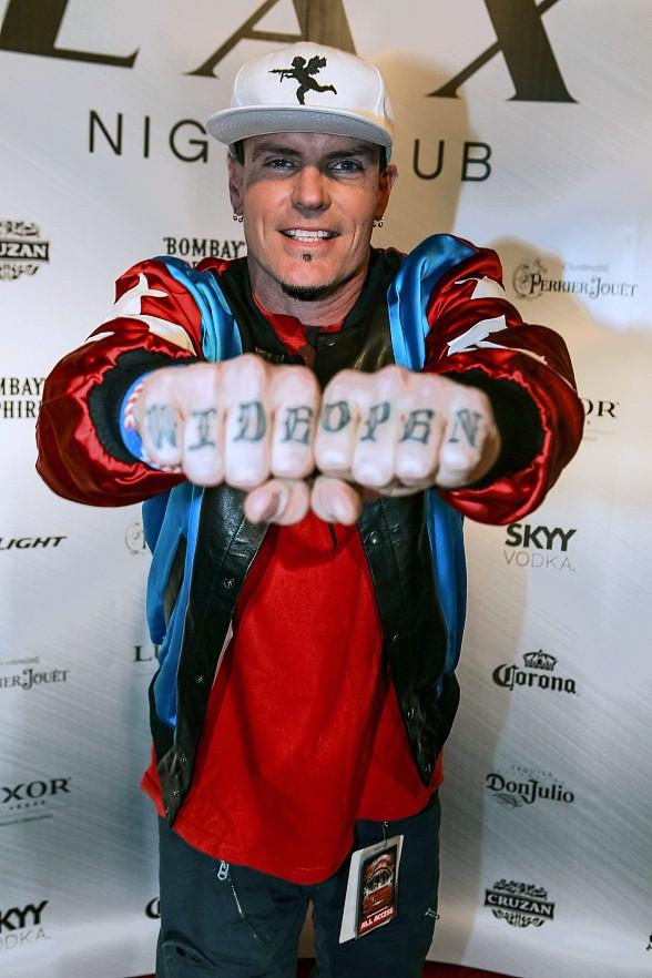 Vanilla Ice kicks off Throwback Thursdays at LAX Nightclub with Electrifying Performance