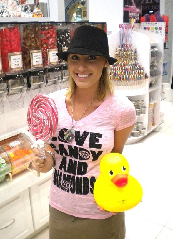 Vienna Girardi with a Couture Pop at Sugar Factory