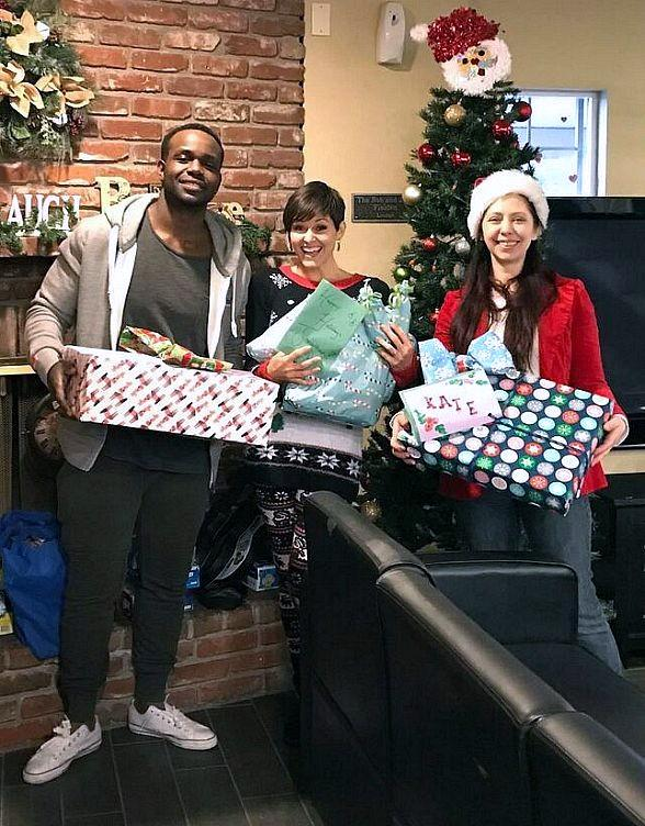 NPHY Holiday Campaign Provides Easy Ways to Make Season Brighter for Homeless Youth