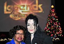 "Katherine Jackson Attends ""Legends in Concert"" Tribute Artist Show at Harrah's Las Vegas"