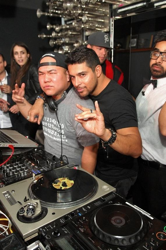 Wilmer Valderrama in DJ booth