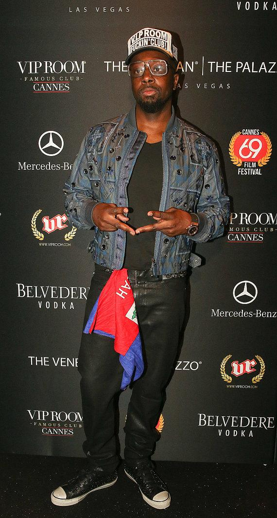 Wyclef arrives at VIP Room