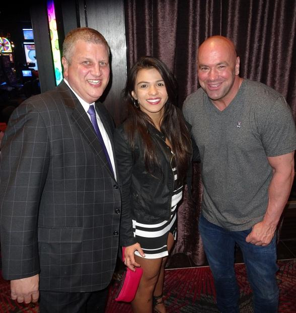 """""""The Bachelor"""" Andrew Firestone, Boxing Legend """"Sugar"""" Shane Mosley, Zappos CEO Tony Hsief, UFC President Dana White and this year's """"Ultimate Fighter"""" contestants at Andiamo Italian Steakhouse"""