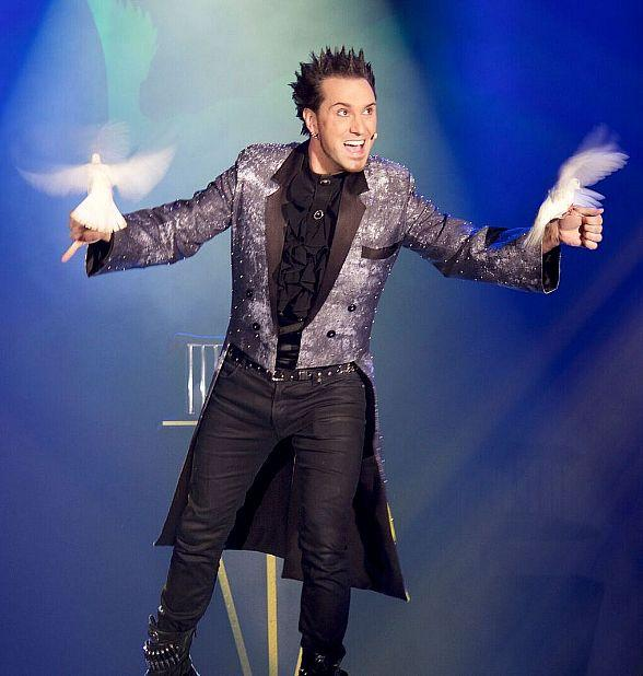 """David DaVinci Guest Stars in """"Murray The Magician"""" Show at Planet Hollywood Las Vegas This Week"""