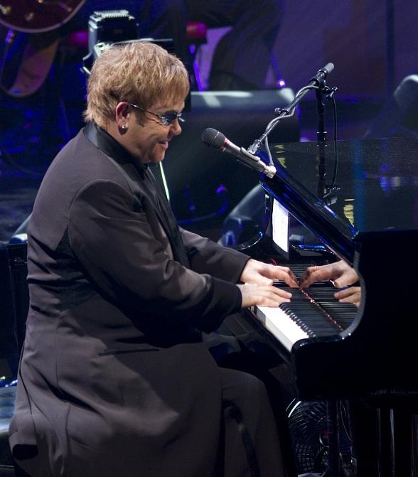 Elton John Returns to Caesars Palace September 28