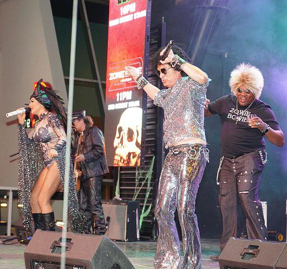 Halloween at the D Casino Hotel las vegas with Zowie bowie and Darren banks as Zowie Bowie