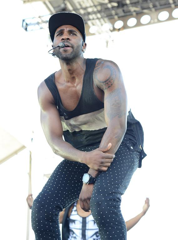 Jason Derulo performs at iHeartRadio Village in Las Vegas