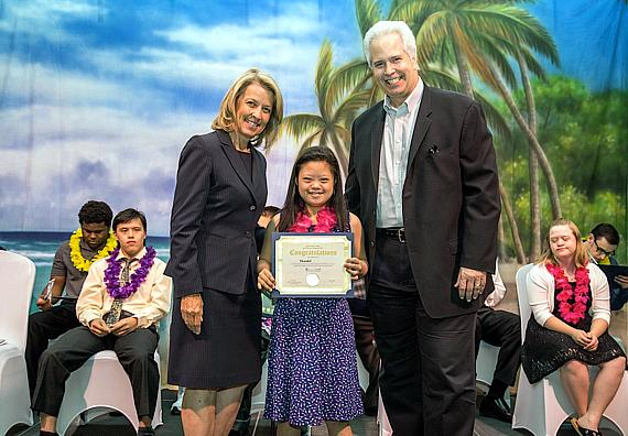 Nevada Secretary of State, Barbara Cevagske, and Opportunity President and CEO, Bob Brown, awarded Shandel her Job Discovery Program congratulatory certificate.
