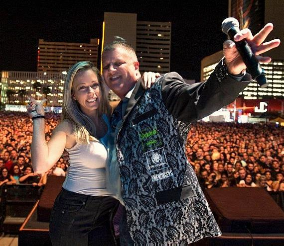 Reality Superstar Kendra Wilkinson Rocks Out at DLVEC for The Offspring/Sublime with Rome Concert