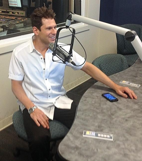 Four Queens Headliner Mike Hammer Interviewed by Dayna Roselli and Joe Gillespie on CBS Radio KXNT 105 FM