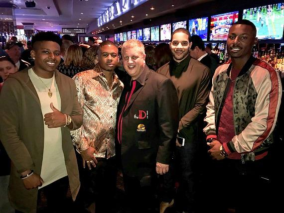 MLB players Anthony Ray, Adron Chambers and Casino Owner Derek Stevens with Tommy Pham and Kyle Lewis at LONGBAR Las Vegas