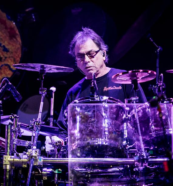 Dead & Company perform at at MGM Grand Garden Arena in Las Vegas