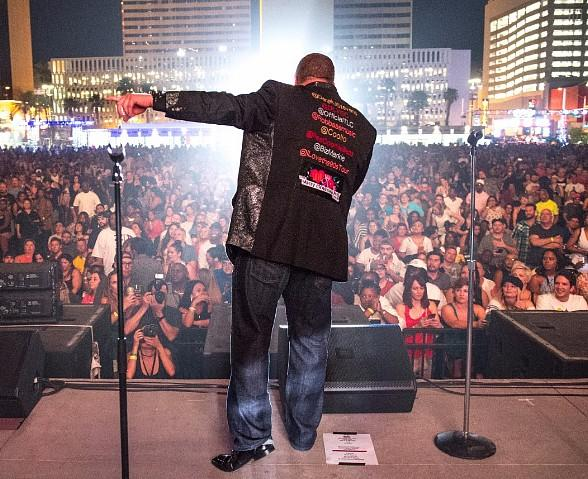"""Famous Faces Show up at """"I Love The '90s"""" Concert at DLVEC in Downtown Las Vegas"""