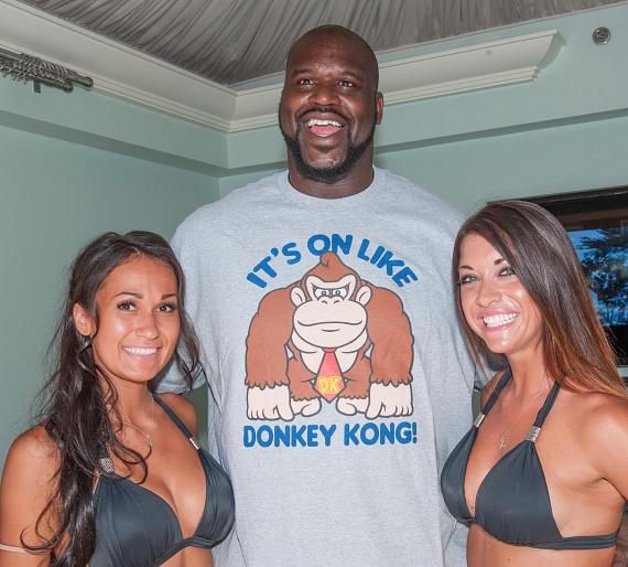 Azure Luxury Pool at The Palazzo Welcomes NBA All-Star Shaquille O'Neal