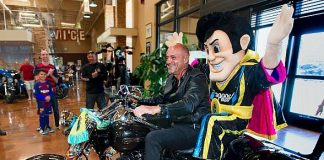 """Meet """"Cash the Soccer Rocker"""": Lights FC Club Unveils Official """"Only in Las Vegas"""" Mascot Ahead of Saturday's Home Opener"""