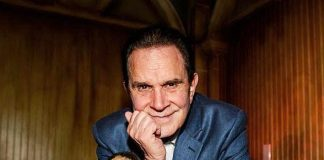 """The """"Man of a Thousand Voices"""" Rich Little Unveils His Shrunken Head at The Golden Tiki in Las Vegas"""