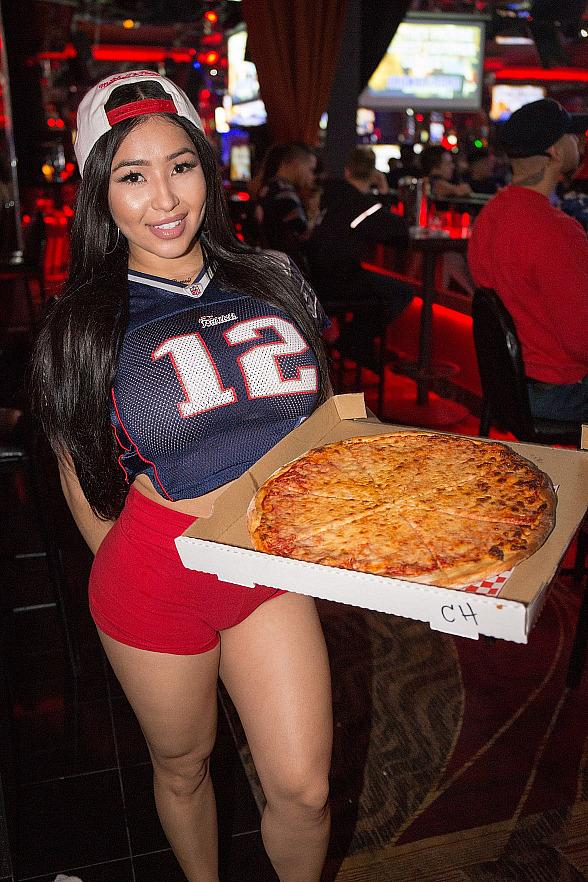 """Crazy Horse 3 Gentlemen's Club to Host """"Lingerie Football"""" Viewing Party for the Big Game"""