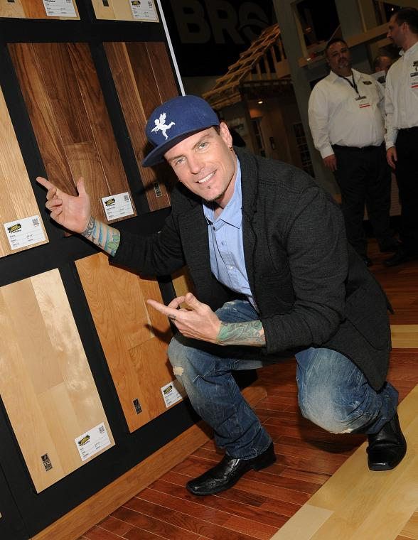 Vanilla Ice Greets Fans in Lumber Liquidators Booth at 2013 Int'l Builders' Show