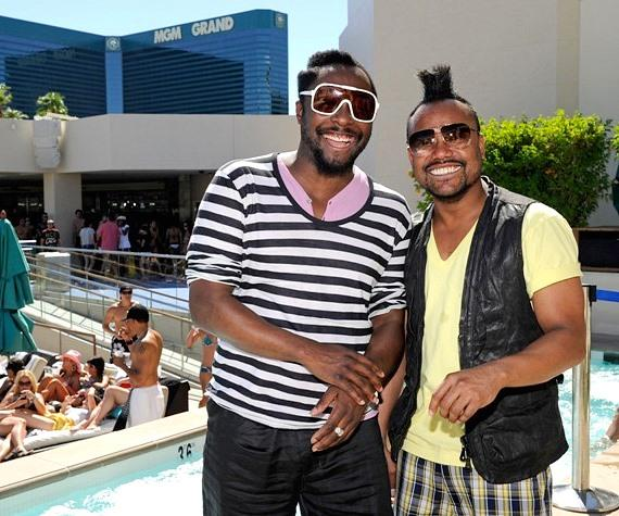 apl.de.ap and will.i.am in DJ booth at WET REPUBLIC